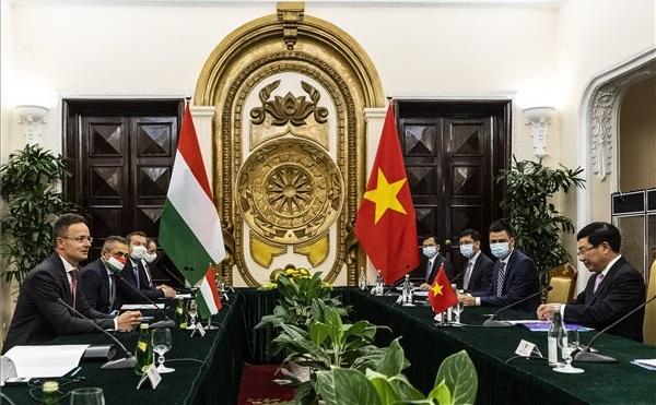 Szijjártó: a magyar-vietnami gazdasági együttműködés sikertörténet
