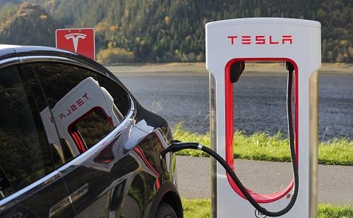 Toboroz a Tesla Magyarországon
