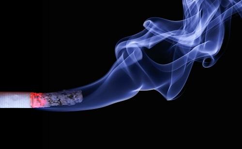 Meglepő akció Mikulás éjjelén a dohányboltban