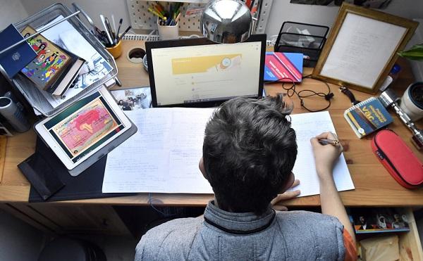 Szlovéniában az általános iskolák is digitális oktatásra állnak át