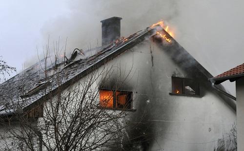 Sikerült kimenteni az embereket egy égő házból Budapesten