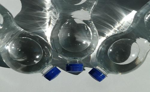 Munkahelyeket is teremthet, ha visszavezetik az üvegvisszaváltást