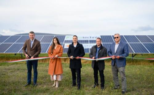 Új napelempark létesült Magyarországon