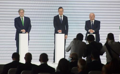 Szombathelyen átadták a Schaeffler-csoport 23,5 milliárd forintos beruházását