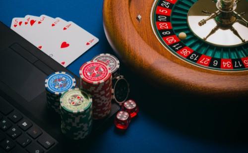 5 évet kapott egy szerencsejáték függő banki dolgozó