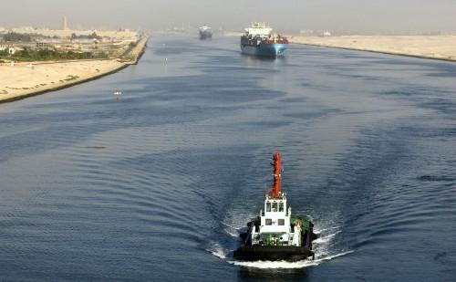 Kiszélesítik a márciusban eltorlaszolt Szuezi-csatornát
