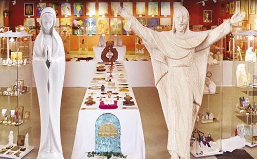 Nagyboldogasszony-ünnepi Mária-kiállítás Magyarpolányban