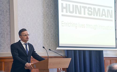 A Huntsman Corporation állami támogatással bővíti szolgáltatásait
