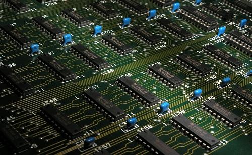 Továbbra is listavezető Kína a mikroprocesszorok piacán
