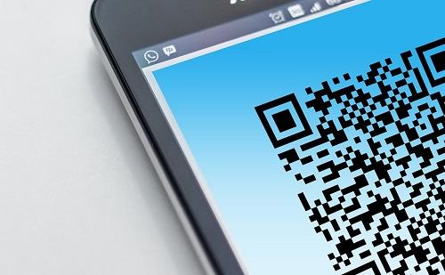 Banki egységesedés: terjed a QR-kódos fizetési lehetőség