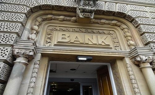 Átmeneti intézkedéseket hozott a Magyar Nemzeti Bank