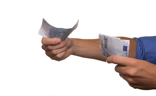 Kormányhivataloknál lehet érdeklődni a KFI bértámogatásokról