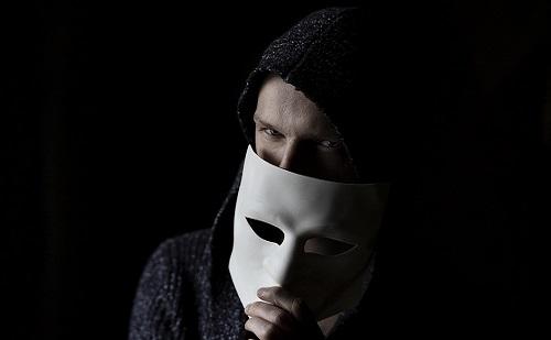 Érdemes vigyázni - csalók a közösségi oldalakon