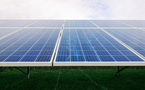 Újabb hatalmas napelemes és fűtéskorszerűsítési pályázat jön