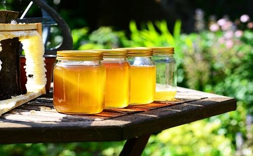 Jön a legújabb reformélelmiszer, az etikus méz