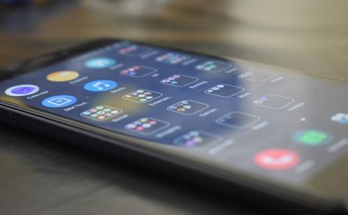 Március végén jönnek a Xiaomi új készülékei