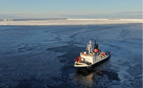 Német kutatók körbehajózták a frissen leszakadt jéghegyet