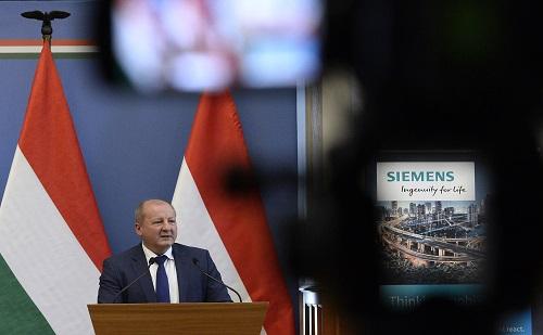 Milliárdos szoftverfejlesztéseket hajt végre a Siemens