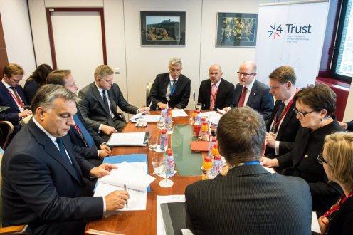 50 fős cseh, szlovák és lengyel katonai kontingensek lesznek jelen a déli határon