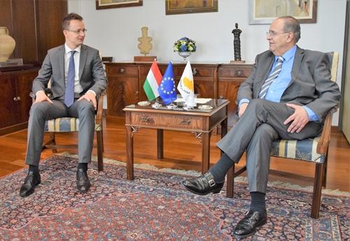 Libanonban és Cipruson tárgyalt Szijjártó Péter