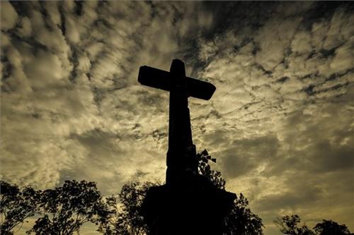 Mindenszentek, halottak napja - a délvidéki vérengzésekre emlékeztek Újvidéken és Temerinben