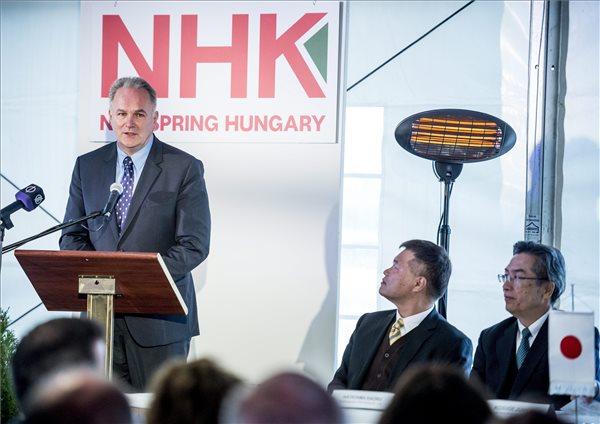 Szabó László, NHK Spring, Tata