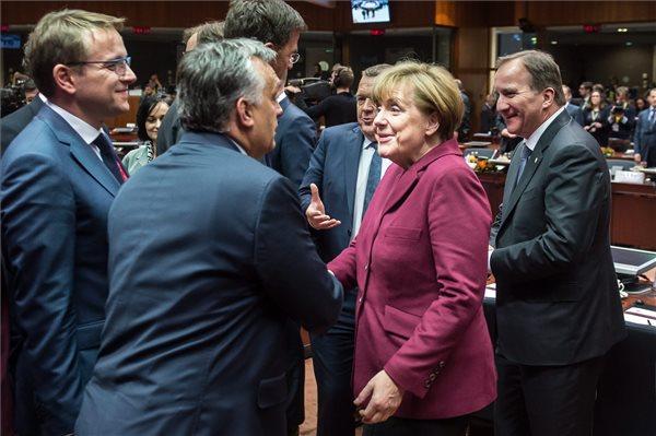 Orbán: Európa 2008 óta válságból válságba tántorog