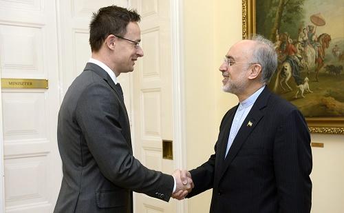 Szijjártó Péter az iráni atomenergia-szervezet vezetőjével tárgyalt
